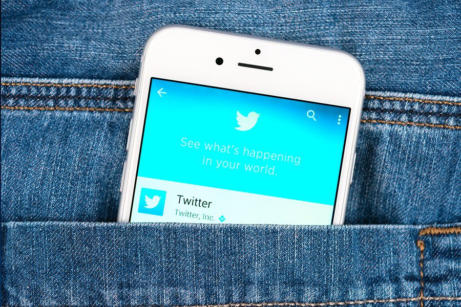 8 Compelling Ways To Tell 140-Character Stories On Twitter