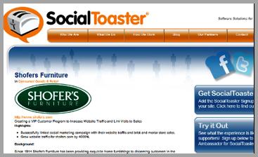 SocialToaster example of using customer reviews