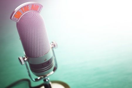 How to Successfully Launch a Podcast in 4 Steps